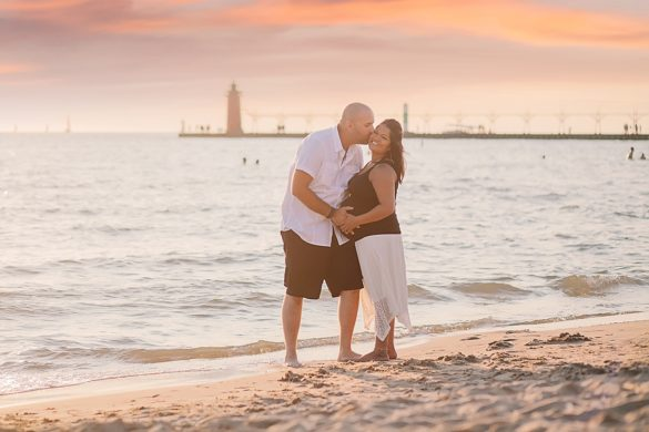 maternity photos on lake michigan