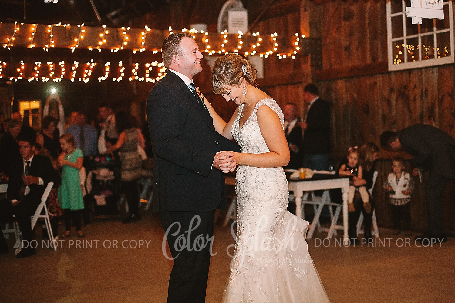allegan-mi-barn-wedding_1238