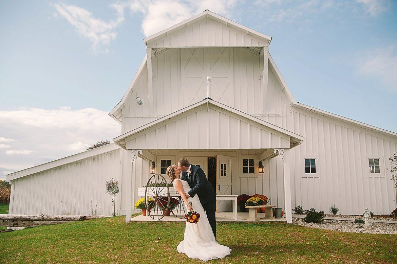 allegan-mi-barn-wedding_1240